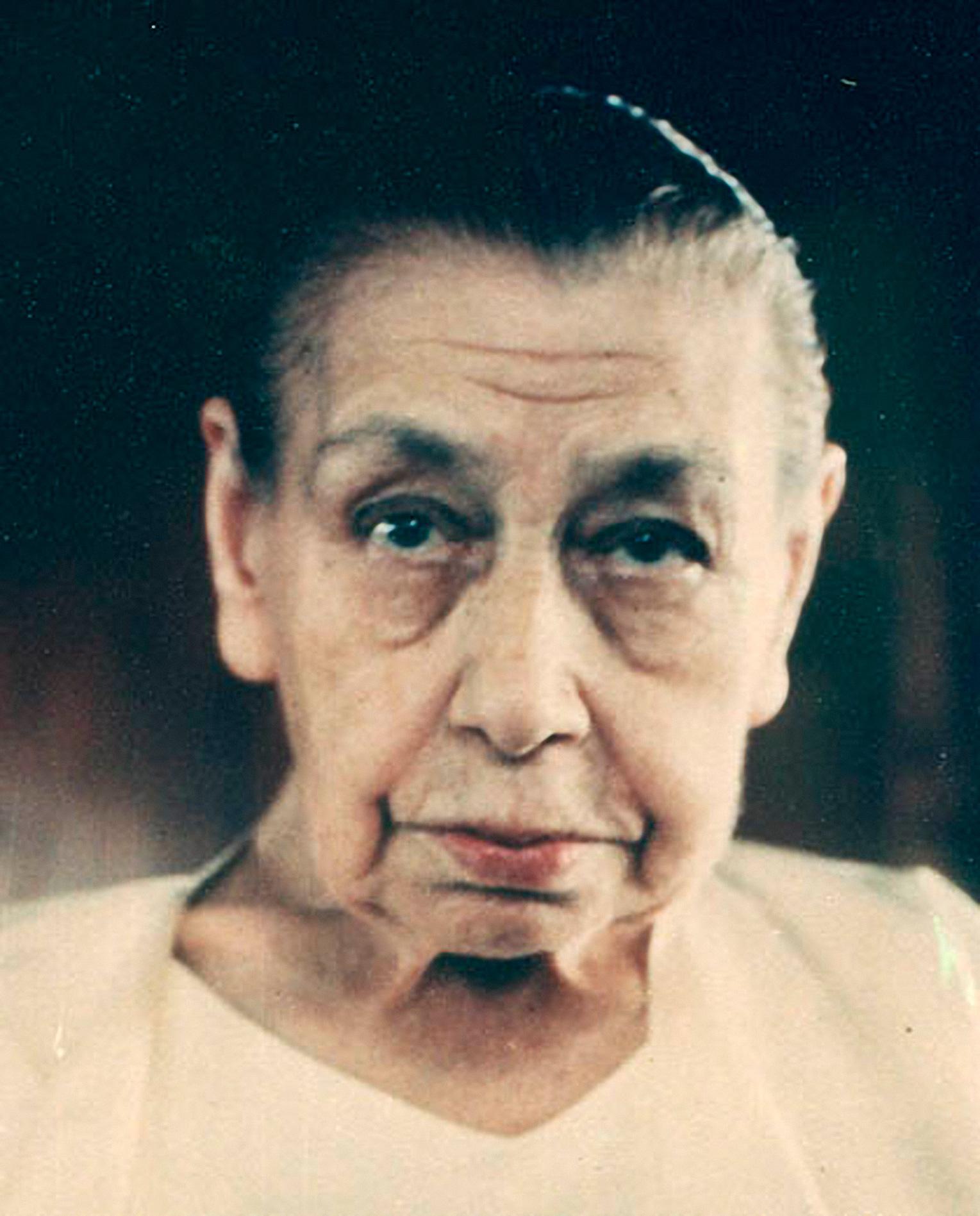 Мать (Мирра Альфасса)